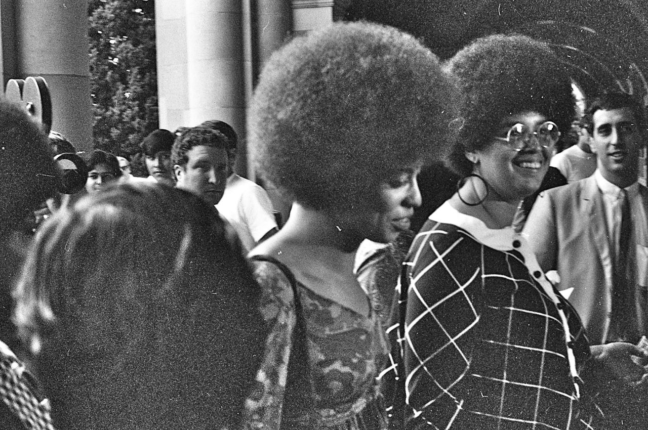 Angela_Davis_enters_Royce_Hall_for_first_lecture_October_7_1969 Day in the Life: Angela Davis