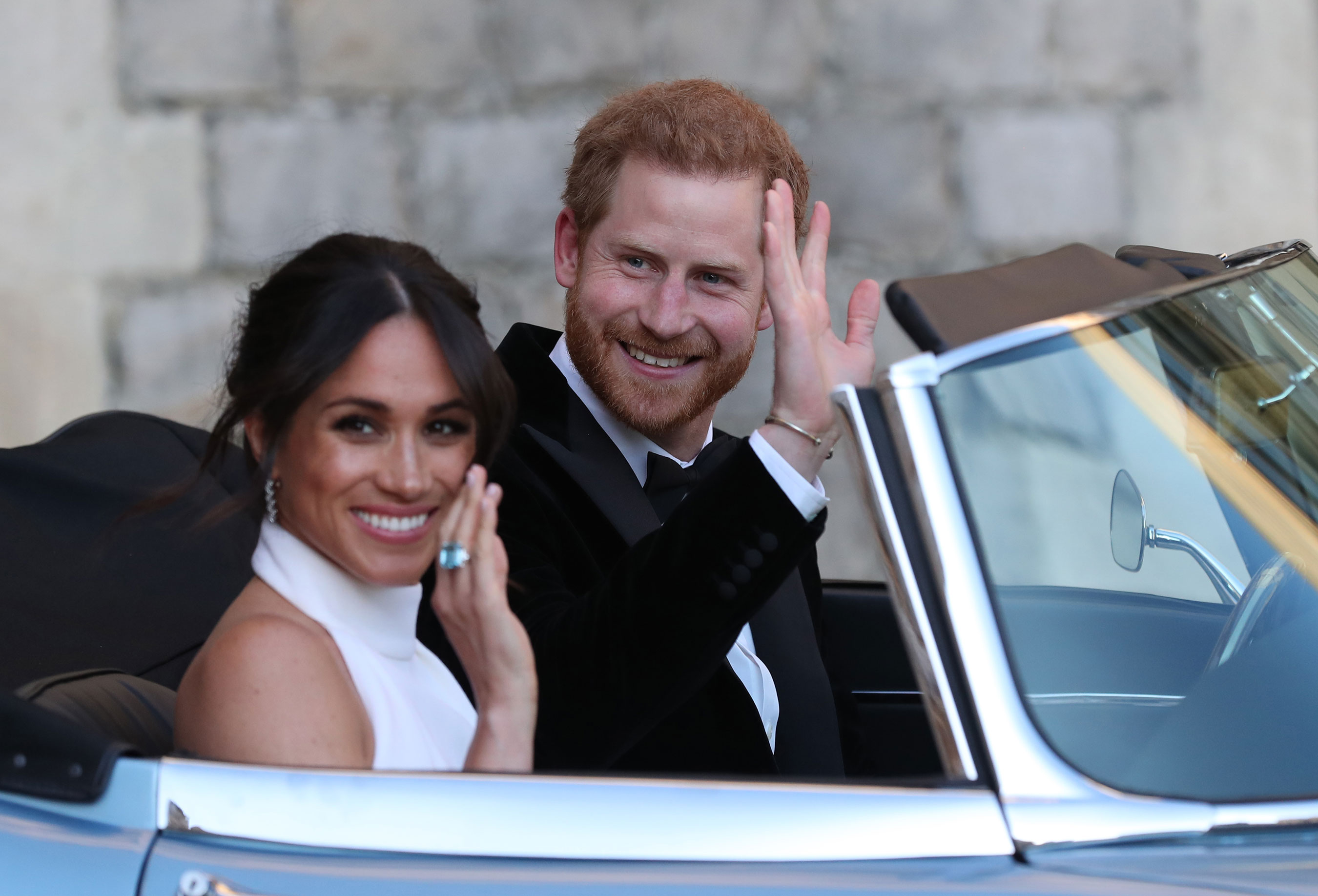 MeghanMarklePrinceHarryWave Day in the Life: Meghan Markle
