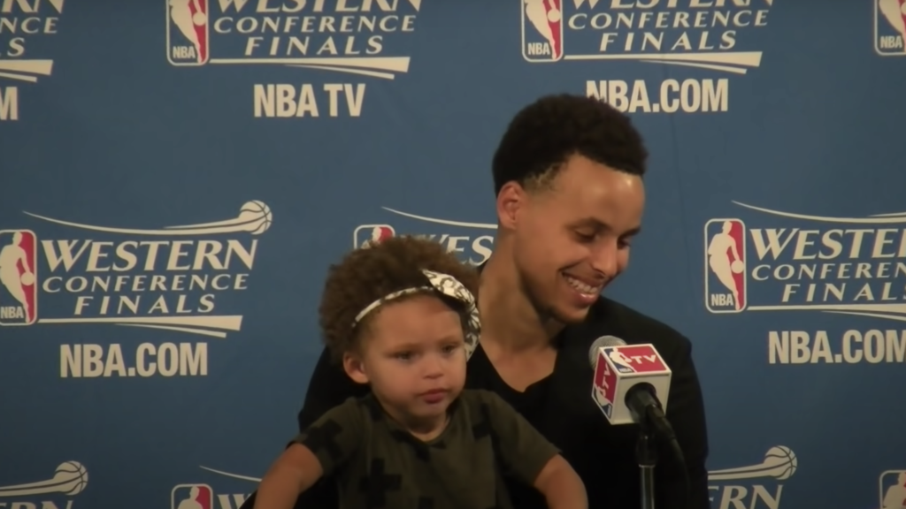 Stephen Curry and his daughter Riley Curry at the press conference | Owaves